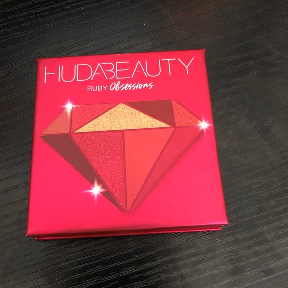 HUDA BEAUTY Other - Ruby Obsessions